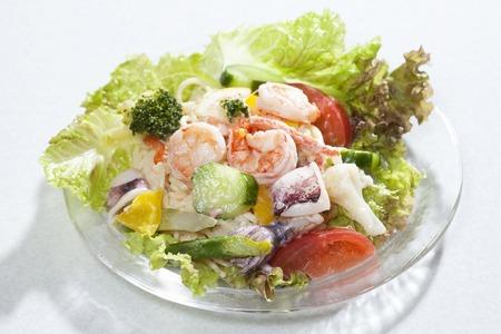 シーフード サラダ