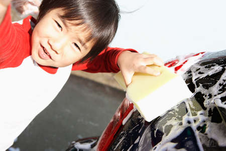 handwash: Children in car wash