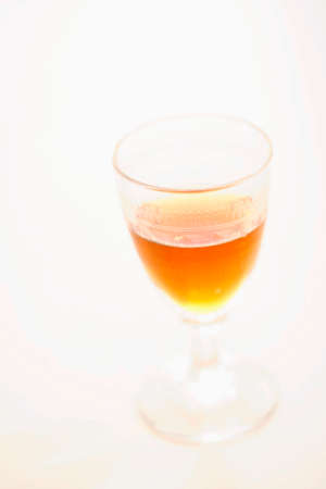 that: Glass that contains the liquor