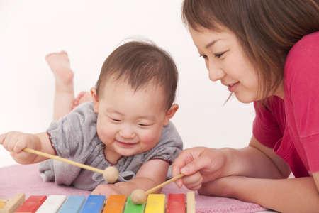 母親と赤ちゃん 写真素材