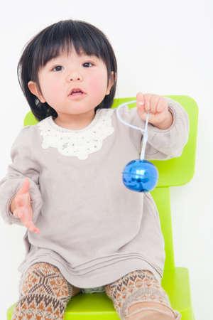ser humano: Chica con una campana Foto de archivo