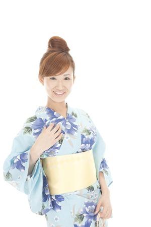 lad: Yukata women smile