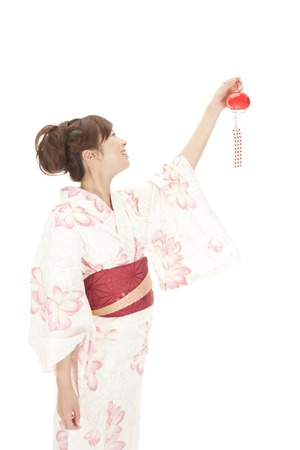 wind chime: Yukata woman to attempt to install a wind chime
