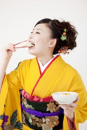 early 20s: Kimono women who eat the jealousy