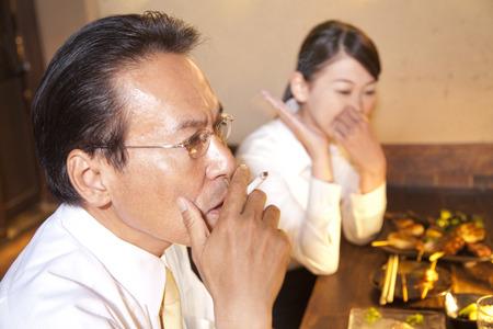 farewell party: OL to be sensitive to smoke and businessman smoke