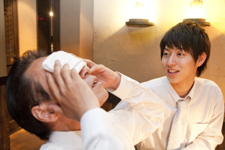 farewell party: Businessman to put a towel in the face