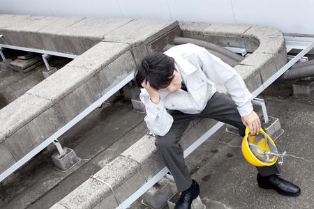 droop: workers to droop sitting