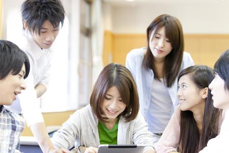 大学生は、タブレット PC を参照してください。