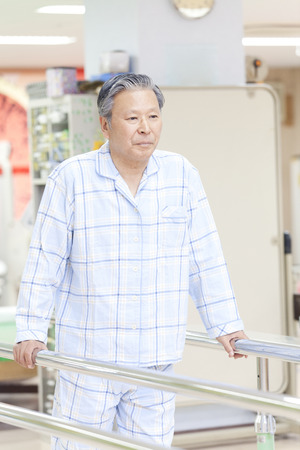 pacjent: Pacjenci być chodzenie praktyki Zdjęcie Seryjne