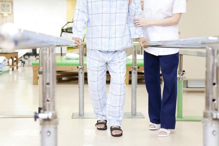 Reha-Patienten und Trainer Lizenzfreie Bilder