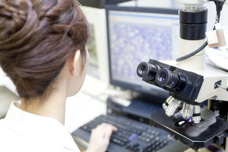 Nurse to operate the microscope and PC