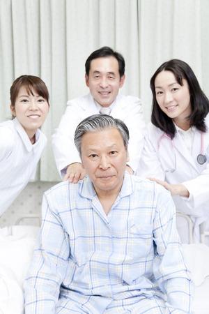 pacjent: Pacjenci i uśmiech lekarza Zdjęcie Seryjne