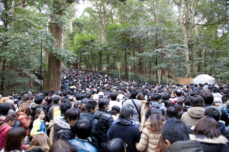 crowded: Ise Shrine to be crowded