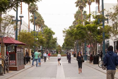 monica: Street fashion in Santa Monica