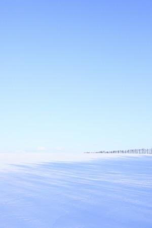설원과 푸른 하늘