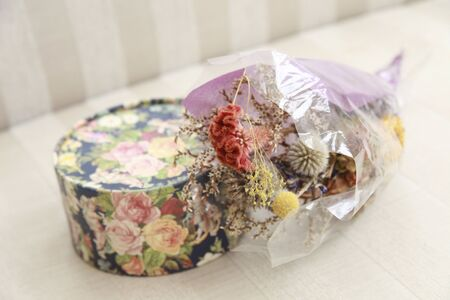flower boxes: Dried flowers and flower boxes