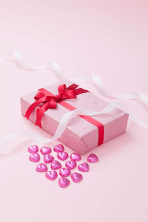 heartshaped: Gift box with heart-shaped chocolate