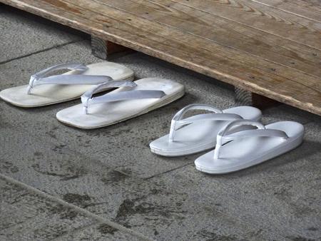 sandalias: sandalias y sandalias de cuero con suela