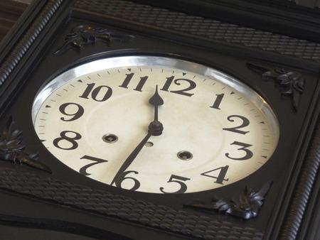 レトロな壁掛け時計 写真素材