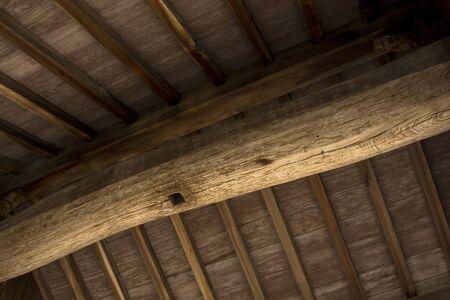 목조 건물의 두꺼운 천