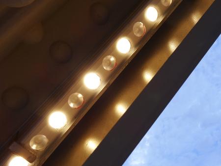lightup: LED light bulb for the light-up of the bridge