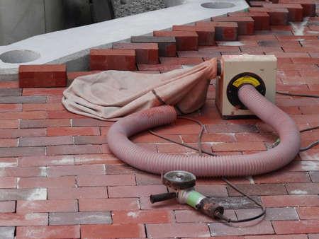 土木工事の粉塵吸入器