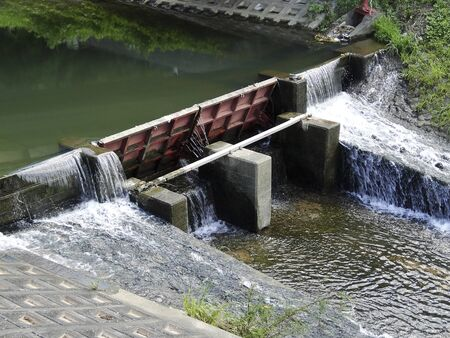 movable: Movable weir of the river