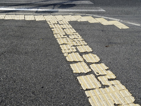 braile: Panel Braille que dañó la carretera Foto de archivo