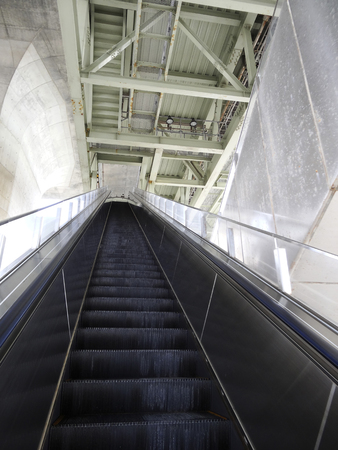long: Long escalator