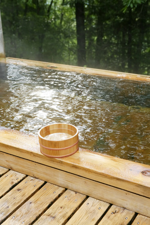 openair: Wooden open-air bath