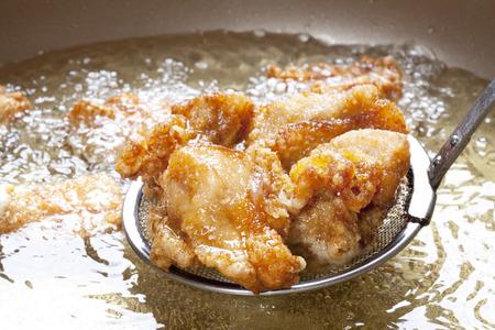 Scène frituren de gebraden kip Stockfoto