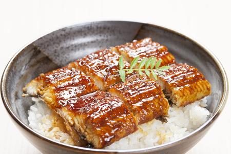 Le bol de riz à l'anguille