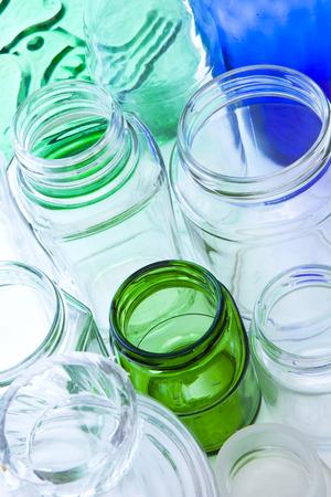reciclable: botella vacía de residuos reciclables Foto de archivo