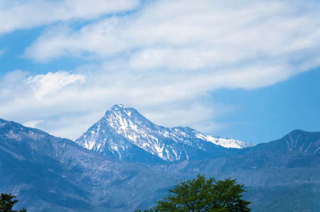 par�?s: Yatsugatake of snow as seen from the central high speed