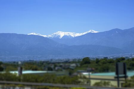 lingering: Southern Alps of snow as seen from the central high speed
