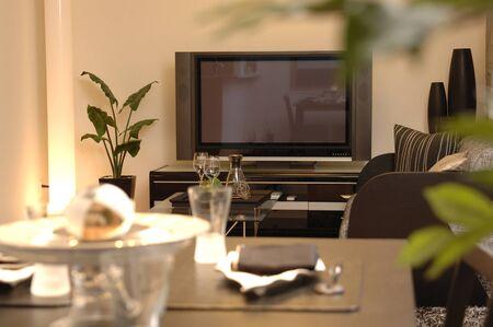 リビング ルームの液晶テレビ