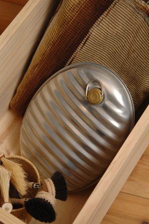 wärmflasche: Wärmflasche und Decke