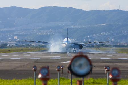 jetliner: Passenger plane to land