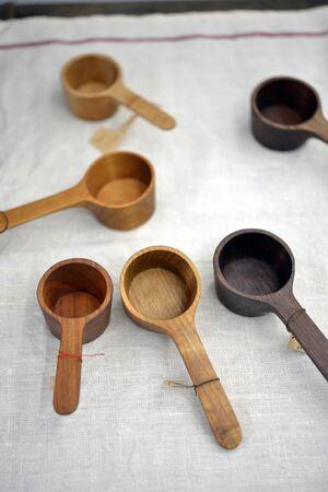 measuring spoon: Wooden measuring spoon