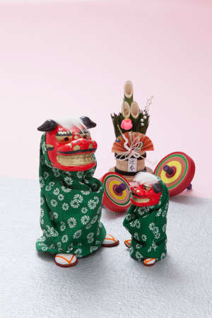 coma: Lion dance of dolls and mini Kadomatsu and coma