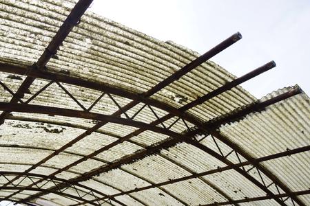 Vinyl tin roof aging