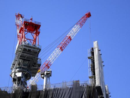 Building construction crane Standard-Bild