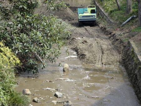 dredging: Dredging of rivers