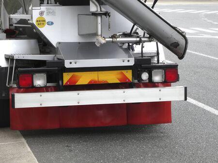 truck concrete mixer: Concrete mixer truck