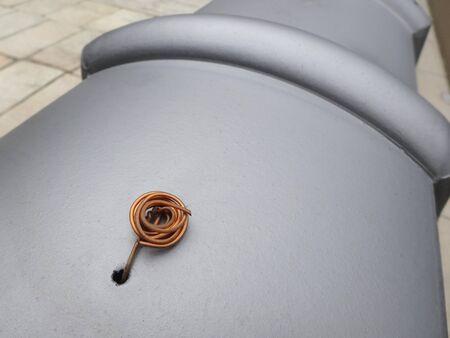 cobre: El alambre de cobre de la parada del azulejo