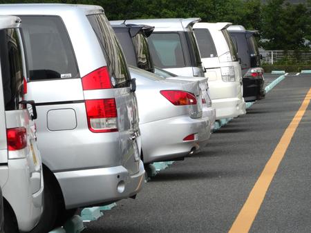 乗用車駐車場 写真素材