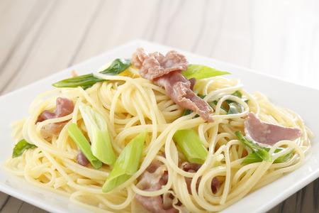 raw ham: Raw ham and Kujo leek pasta