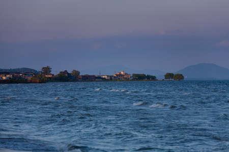 breaking dawn: Lago Biwa