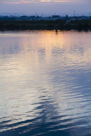 amanecer: Por la ma�ana como se ve desde Tatsuta Ohashi Kisogawa Foto de archivo