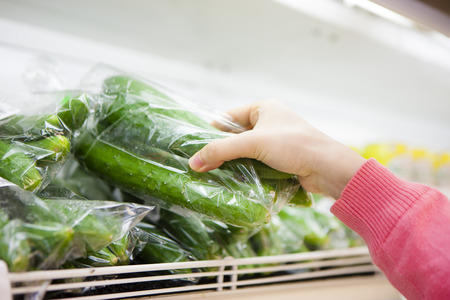 food hygiene: Women who take the vegetables to hand